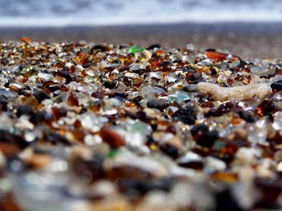 沦为垃圾场20年这片海滩现在却成了最梦幻的景点